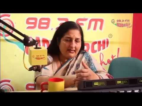 Catch Anuradha Paudwal UNPLUGGED at the Radio Mirchi Studio!