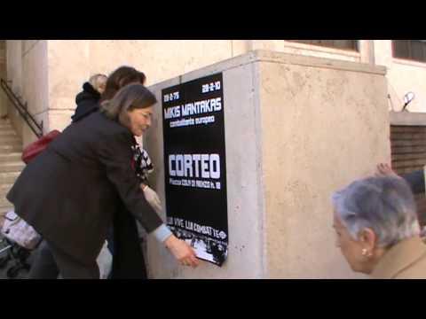 Il Comitato Decoro Urbano III Municipio rimuove i manifesti abusivi al mercato di Via Catania