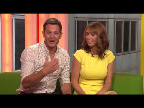 Alex Jones - Pokies  Legs The One Show 21Aug2013 [HD]