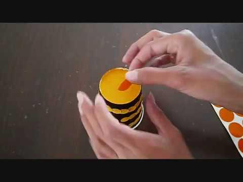 דבורה מכוס נייר