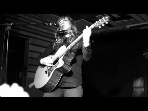 Helen Chambers - Little Blackbirds