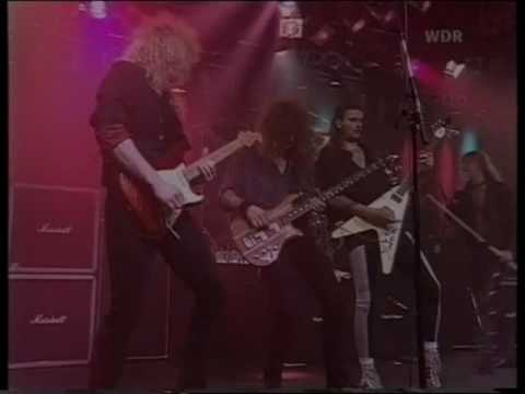 Helloween- Eagle Fly Free (live 1992)