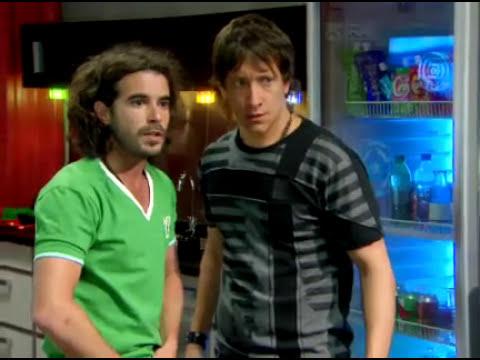 Axel y Ruben, a punto de besarse