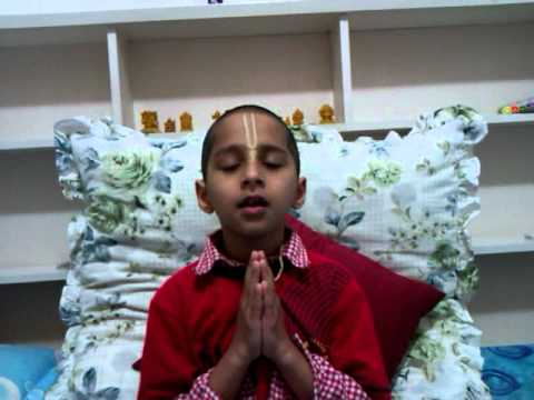 7 Year Old Abhigya Chanting Slokas From The 1st Chapter Of Bhagavad Gita video