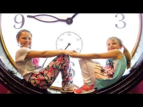 Москва для детей. Дом Великана: Ксюша и Настя (Капуки Дети и Родители). Видео для детей.