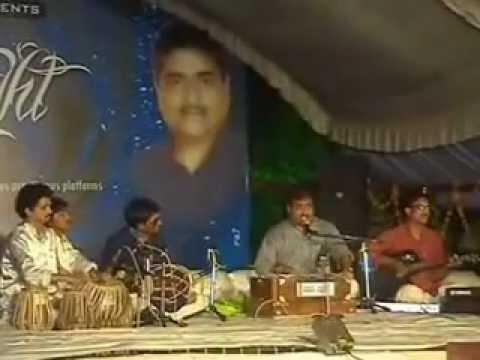 Vineet Pandit ( Naa Jee Bhar Ke Dekha Na Kuch Baat Ki Badi Aarzoo Thi Mulaquat Ki ) video