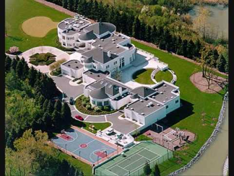 This is Michael Jordan's House in Chicago! Valued $30000000.