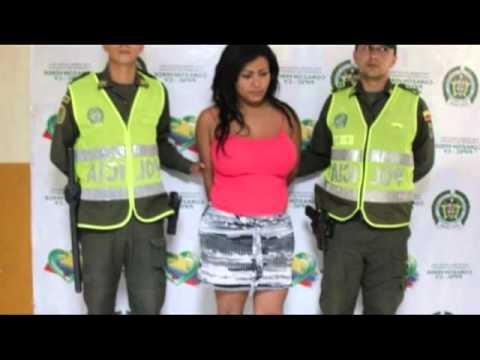 Colombiana de 19 anos cabalgando su dildo para todo el mundo - 2 2