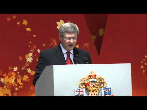 Prime Minister Stephen Harper delivers remarks on Parliament Hill during Canada Day celebrations