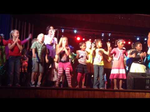 Nedine Blom - Mia Dans Saam video