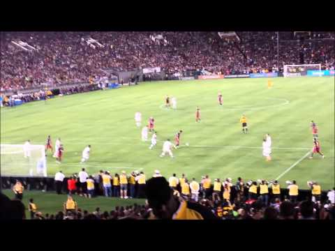 Stadium Erupts After Suarez's Goal Against L A  Galaxy