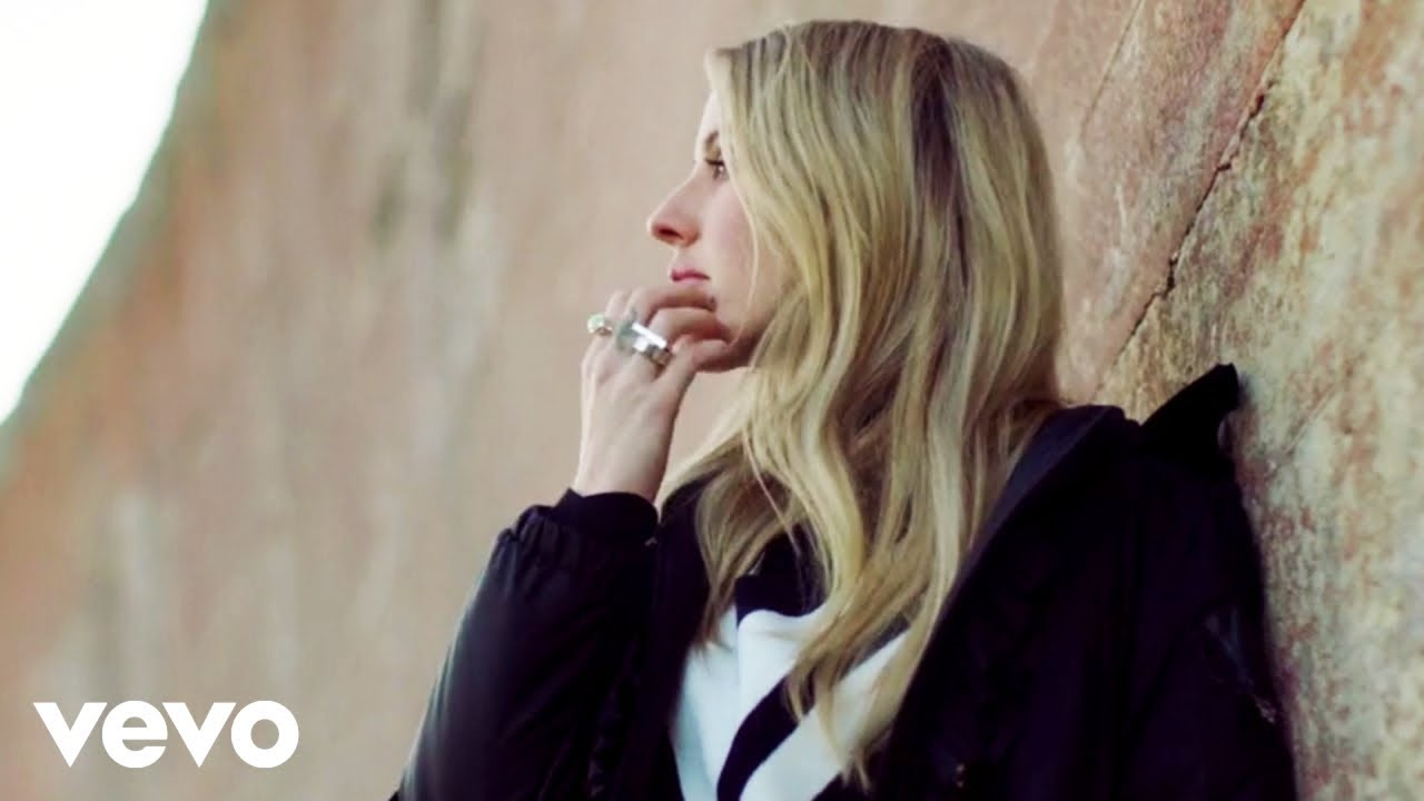 "Ellie Goulding - Joni Mitchellカバー""River""のMVを公開 2019年11月14日配信開始 thm Music info Clip"