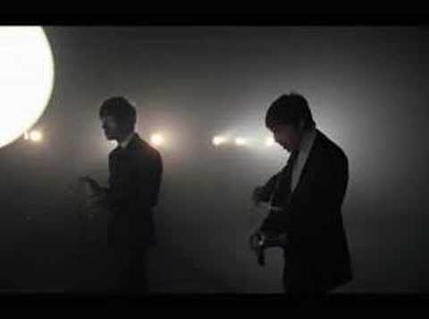 Thumbnail of video The Last Shadow Puppets - 'Standing Next to Me' (2008)
