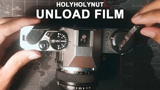 How to unload 35mm film