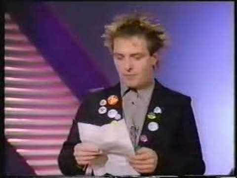 Rik Mayall 1984 WOGAN Stand-up - AND INTERVIEW START!!