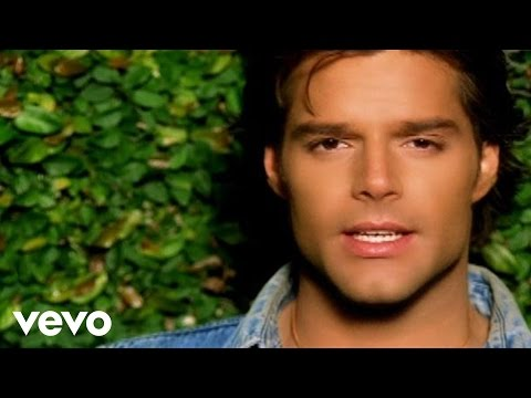 Смотреть клип Ricky Martin - Solo Quiero Amarte (Nobody Wants To Be Lonely)