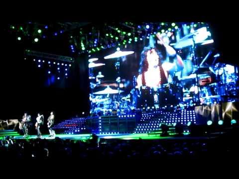 THE TOUR 2012 - KISS - Lick It Up