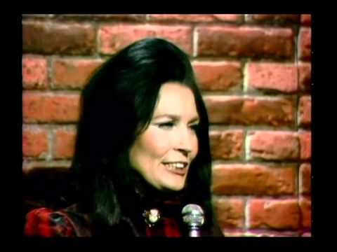 Loretta Lynn - Crazy Out Of My Mind