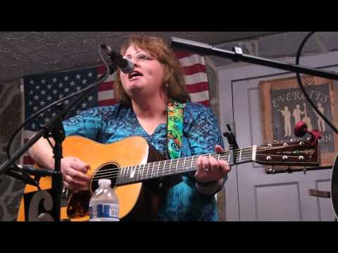 The Piney Rose - Dale Ann Bradley