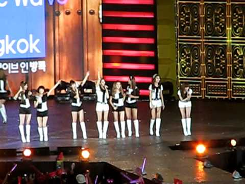 [Fancam] 110312 SNSD – Hoot , oh , Gee @ MBC Korean Music Wave In Bangkok