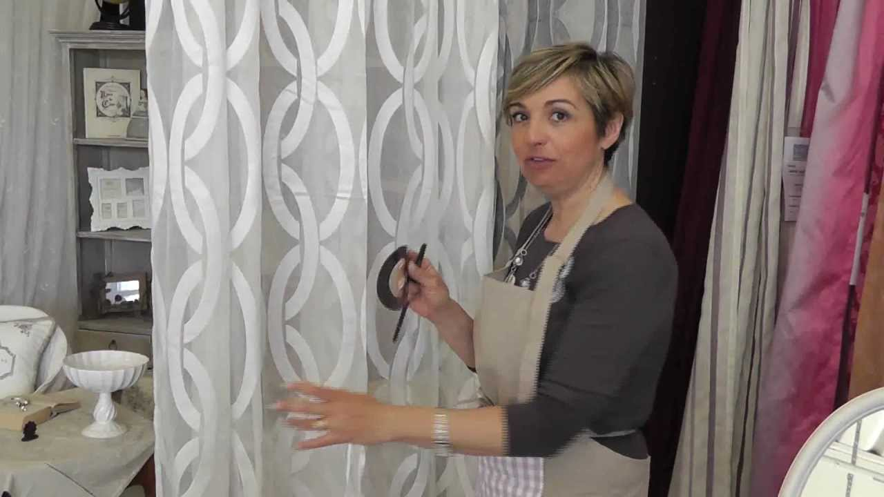 Come raccogliere le tende con embrasse youtube - Come mettere le tende in bagno ...
