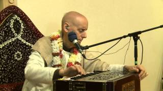 2012.10.25. Kirtan before SB ISKCON Tallinn, Estonia