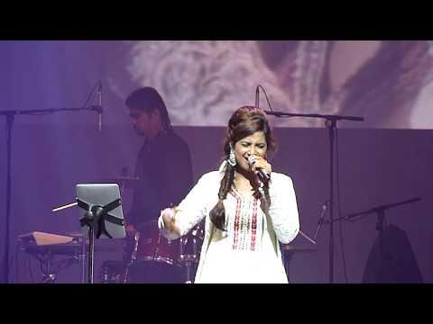 Shreya Ghosal LIVE in  Singapore 31 October 2012 03...