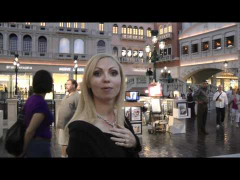 Road Trip USA Part 7 : Las Vegas - Gambling, shopping and chilling by the pool !