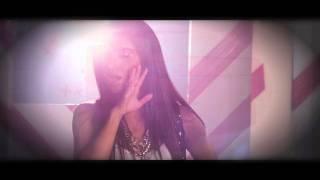 Watch Nadia Ali When It Rains video