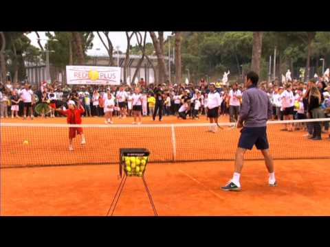Coach Federer Leads Rome Kids Clinic