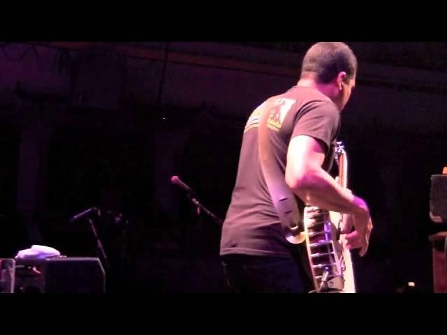 Oteil Burbridge bass banjo solo with Tedeschi Trucks Band