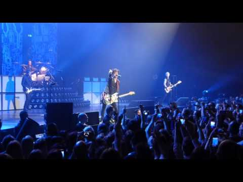 Green Day - Troubled Times & Longview - Live at Forest National, Brussels, Belgium 02/02/2017
