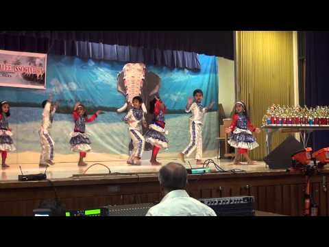 Attumanal Payayil - Dance By Jewel Mathirampuzha Jaison & Team At Onam Celebration video
