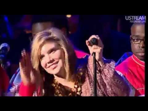 Download Lagu Alison Krauss - Down to the River to Pray [ Live ] MP3 Free