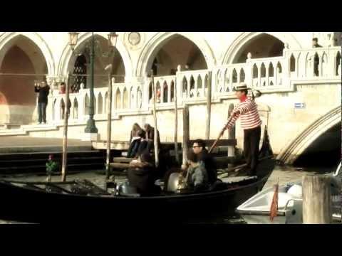 """Video Backstage spot """"Get Carried Away"""" Atvo. (spot dedicato ad Airport Express Bus, il nuovo servizio Atvo che collega l' Areoporto Canova, Treviso alla città di Venezia)."""