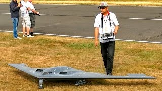 B2 SPIRIT STEALTH BOMBER HUGE RC SCALE MODEL TURBINE JET DEMO FLIGHT / Jetpower Fair 2016