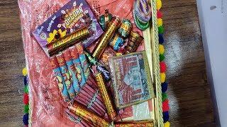 Diwali ke Patake | Fun with Fireworks | Bombs, Lars, Flowerpots, Chakkars & More | 2018 |