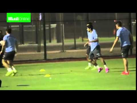 Luis Suarez trains with Uruguay and...