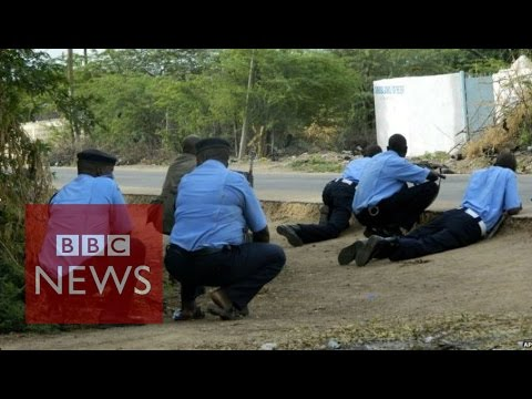 Kenya: Al-Shabab 'seize hostages' in Garissa university - BBC News