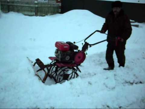 Испытание бульдозера на мотоблоке. - Test bulldozer on a walk-behind tractor.