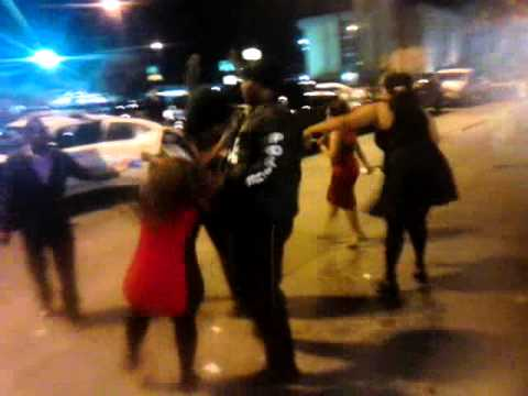 Black Girl Fights Cop! Wow video