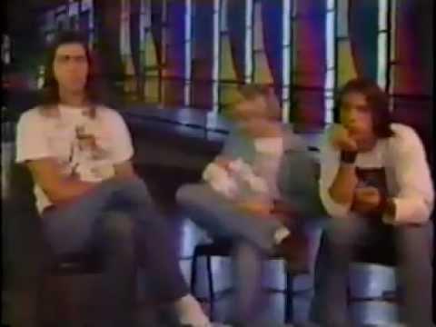 Nirvana Interview, Kurt showing off 3 week old Frances Bean Cobain -MTV news report 9/11/ 92