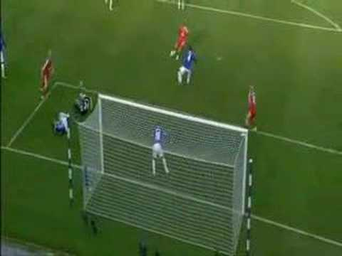 Lucas Leiva would have scored his first goal against Everton