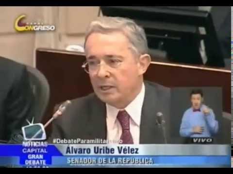 Así se retiró Alvaro Uribe del debate sobre paramilitarismo