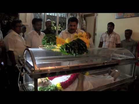 Veteran Actor V. S. Raghavan's Body Reached Home - Public Gathered In Large To Pay Homage video