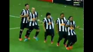 Ronaldinho Goal  and Celebration  Cruzeiro 2-1 Atletico Mineiro 19.05.2013