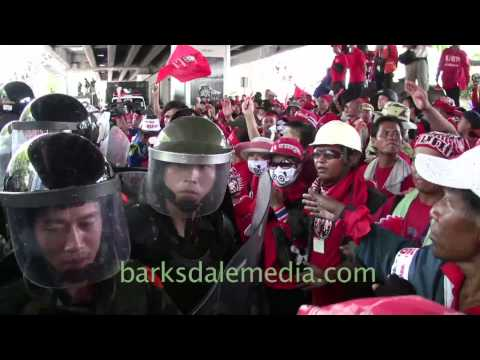 Red Shirts and Police/Troops at Ratchaprasong/Silom, April 6th, 20010 Part 2
