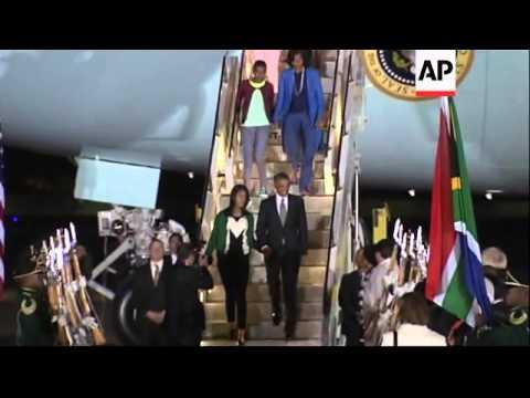 US President Barack Obama arrives in South Africa