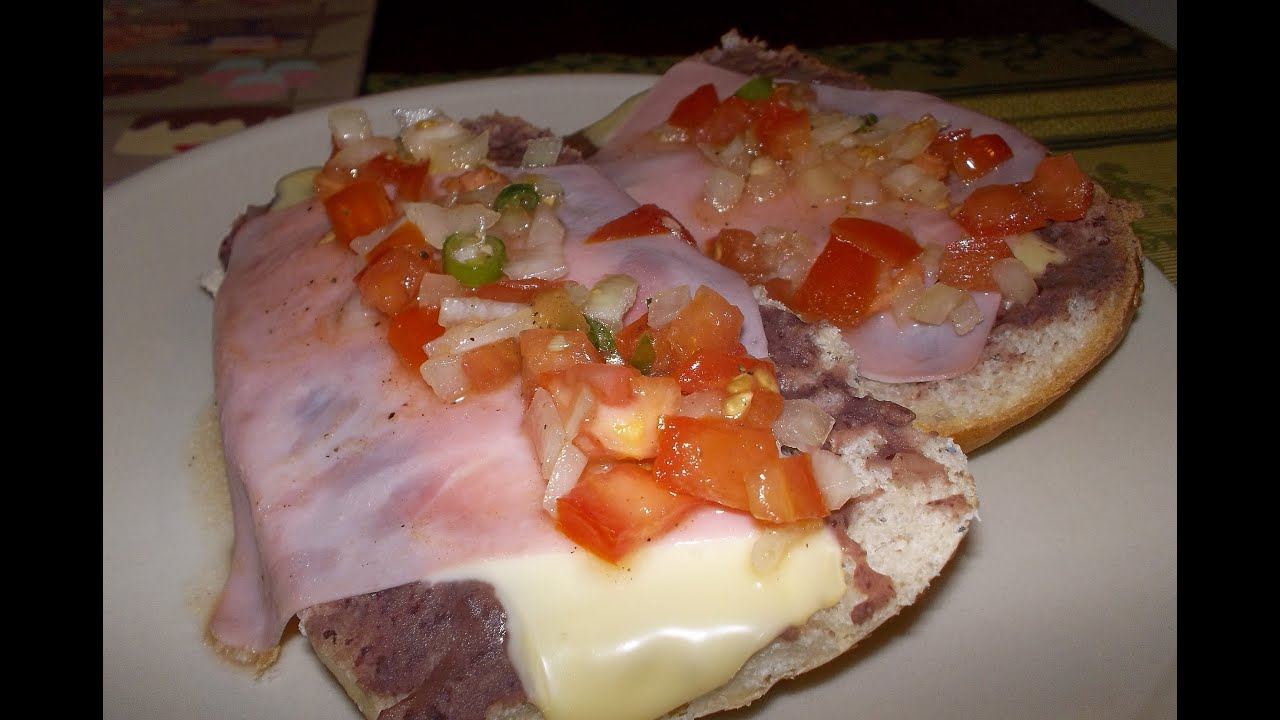MOLLETES MEXICANOS - YouTube