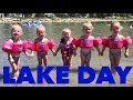 foto QUADRUPLETS FIRST TIME PLAYING AT THE LAKE